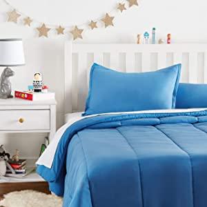AmazonBasics Kids Comforter Set   Soft AllTrickz.jpg