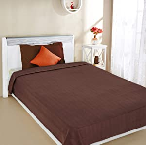 Amazon Brand   Solimo Polar Fleece Blanket AllTrickz.jpg